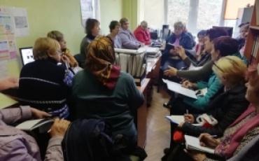 09 жовтня директор територіального центру соціального обслуговування (надання соціальних послуг) Людмила Воровська провела семінар – нараду з соціальними робітниками.